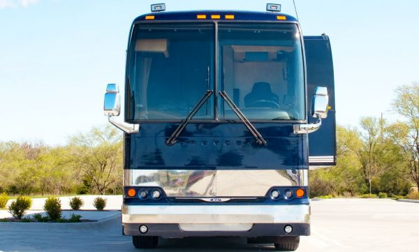 Ditto Four Seasons entertainer coach leasing in Nashville Tennessee