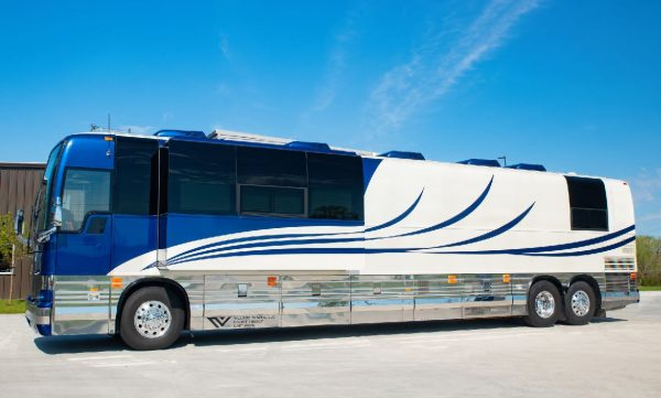Brandy Four Seasons coach leasing Nashville, Tennessee