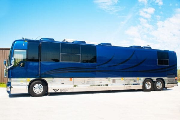 Pappa Village Coach entertainer leasing 12 bunk coach for rent