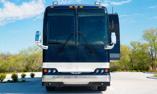 Galaxy entertainer coach with slide out for rent in the united states