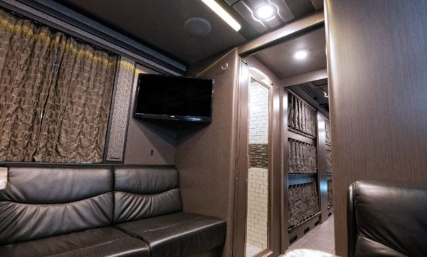 Entertainer coach for lease Four Seasons coach leasing in Nashville
