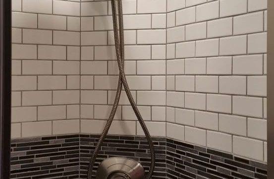 Aeron entertainer coach shower