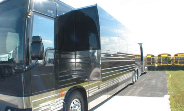Hoot slide out entertainer coach