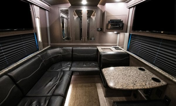 Entertainer coach rear seating