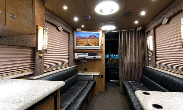 Sidney entertainer coach front lounge