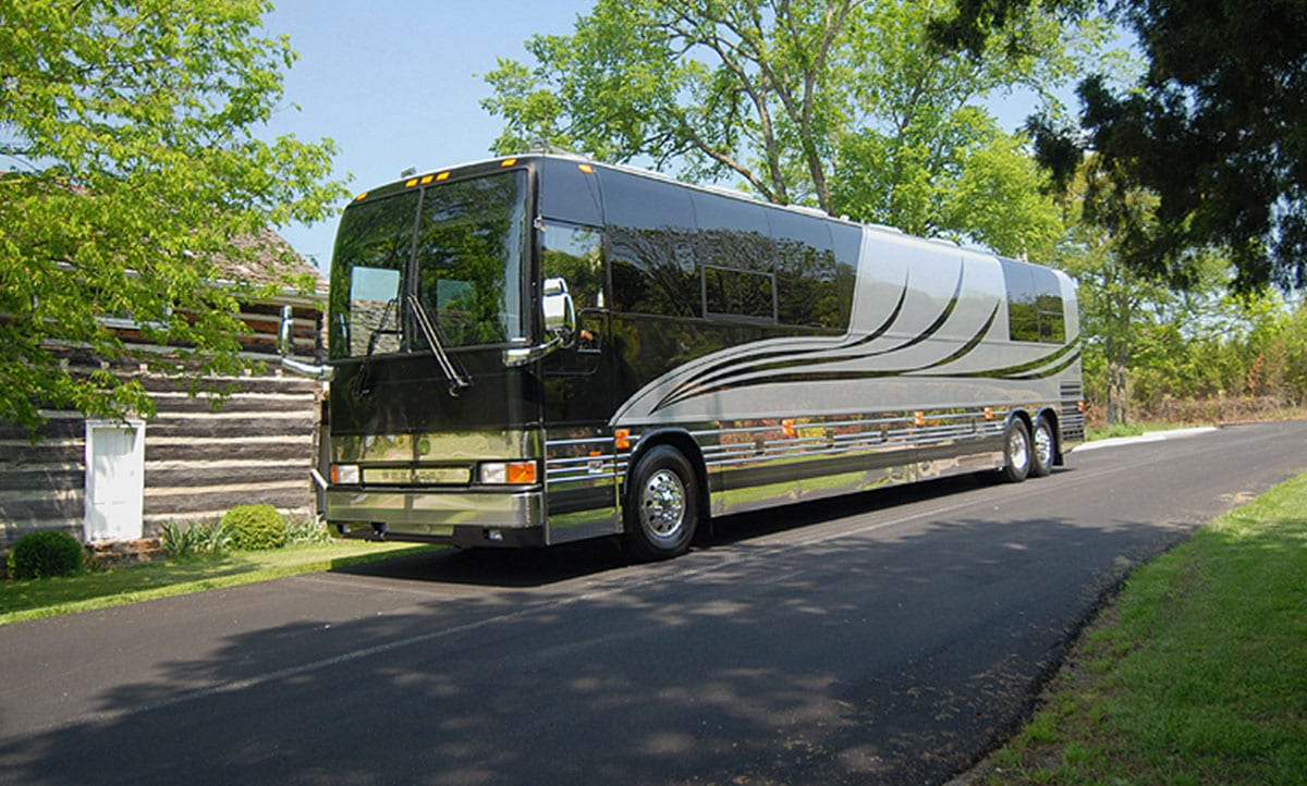 Silver Streak entertainer coach