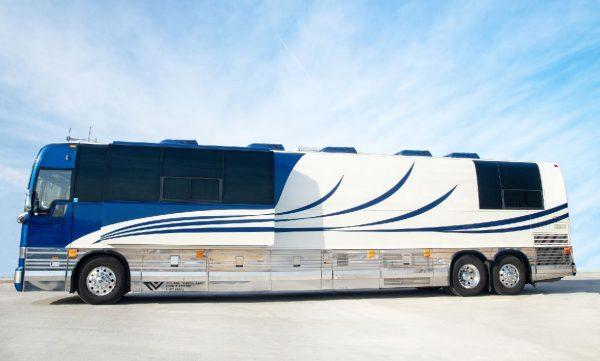 Brandy Village Coach entertainer leasing in California