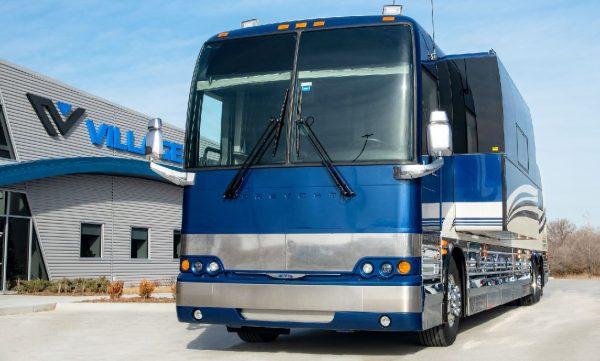 Brandy Village Coach entertainer leasing in Wichita, Kansas
