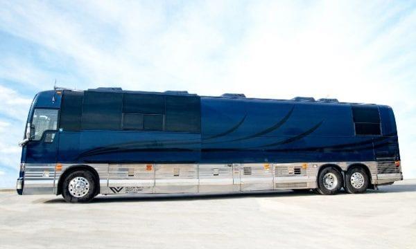 Deja Vu entertainer coach leasing Village Travel Wichita Kansas