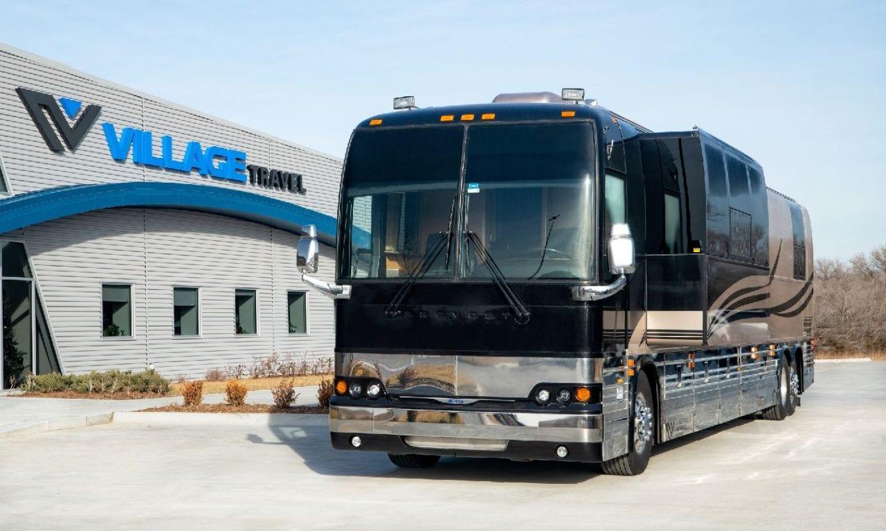 Enterprise entertainer coach Wichita, Kansas Four Seasons coach leasing
