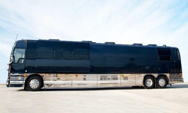 Wisdom Four Seasons Coach Entertainer Leasing 12 bunk Village Coach